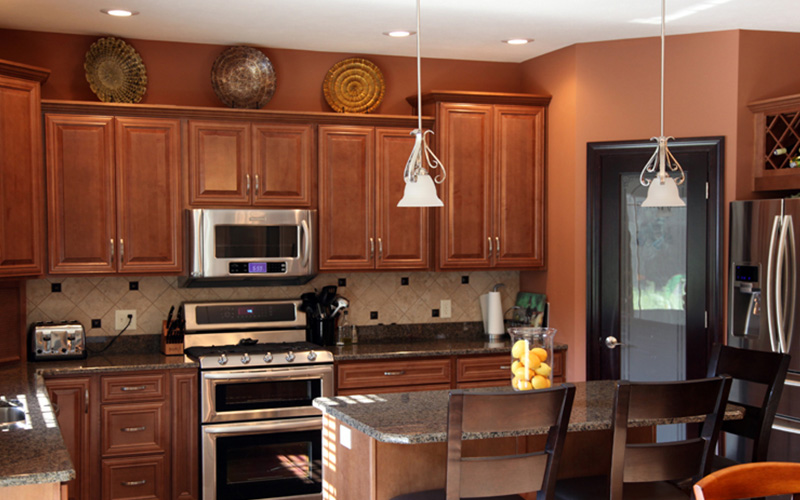 Rich chestnut maple kitchen cabinets