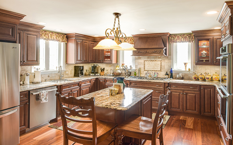 Elite Cinnamon brown kitchen cabinets